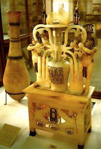 Tutankhamun's_Alabaster_Jar